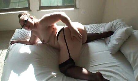 גבר סרטי סקס צפיה ישירה שחור בא לאלישה לעשות הרבה סקס.