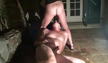 קסנדרה המקסימה מלטפת את הכוס המגולח שלה עם סקס חינם לצפייה ישירה ויברטור.
