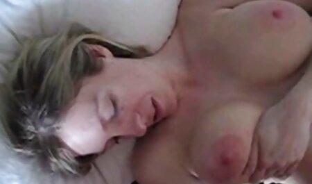 התלמידים שמים צפיה בסרטי סקס חינם את המורה בחזרת ומזיינים אותה.