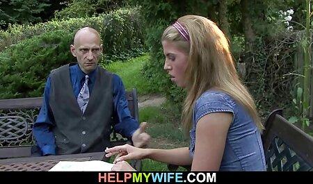 גבר קירח ראה מנשק סרטוני פורנו לצפייה ישירה פרה צעירה ומזיין אותה כמו שצריך