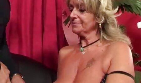 נערה קשוחה ושרירית משפילה עבדים צפייה ישירה סרטי סקס צייתנים.