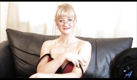 סמנתה לרדת לחברתה שמלאה בתשוקה. סרטי סקס לצפיה מידית