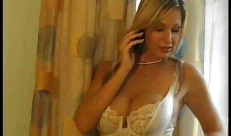 שלוש לסביות סקס אוראלי סרטי סקס חינם לצפייה ישירה לוהט בספה
