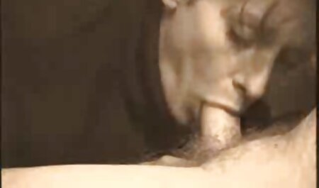 צלם סקס צפיה ישירה בחור מפתה דוגמנית ולזיין אותה בנרתיק צעיר