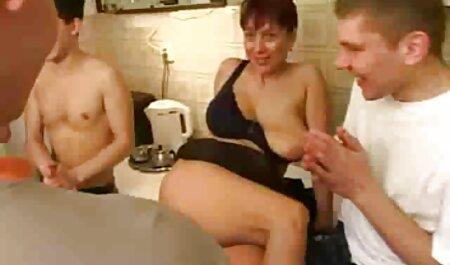 Pikaper התפשט על סקס בייב בתנוחת סקס לצפייה חינם כלבלב