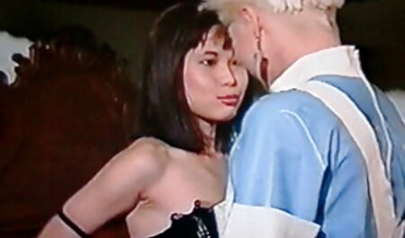 סוס הרבעה, אתרי פורנו לצפייה ישירה נשים גרמניות, סקסיות בתחת הצמוד.