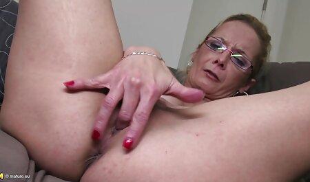 Milf מוצץ זין סרטי סקס מלאים לצפיה ישירה לבחור והוא מלקק את הכוס שלה