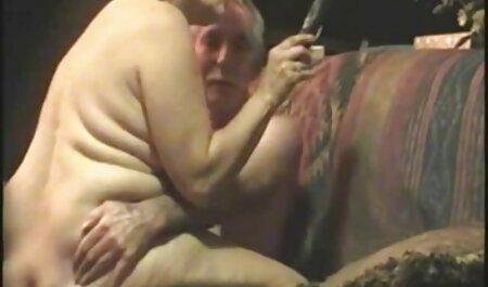 זין ברונטי צעיר זרק מקל בתחת סקס לצפיה ישרה בחינם