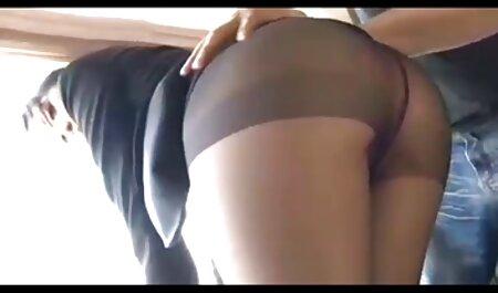 גבר הביא סקס צפיה ישירה בחורה לביתו וזיין אותה