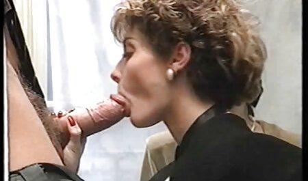 בחורה מצלמות סקס צפייה ישירה חינם רוסית ארוטית נלהבת עם גוף רזה.