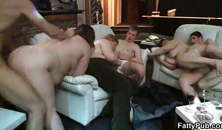 בייב טרני זיין בחור בתחת. סקס לצפיה ישרה