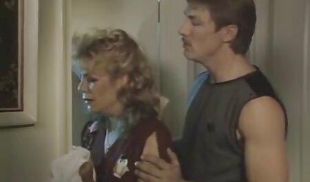 האיש צולם בחשאי בחברת זרים סקס לצפייה חינם אלסטיים.