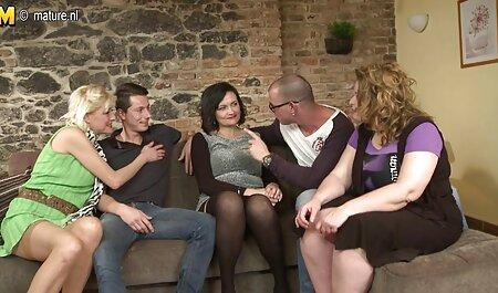 ורוניקה הרזה מלטפת את הכוס סקס לצפייה חינם השעיר שלה