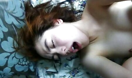 נער מזדיין סרטוני סקס צפיה ישירה עם ציצים קטנים.