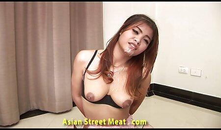 פורנו חותך סרטי סקס לצפיה ישרה בחורות עירומות בגרביונים.