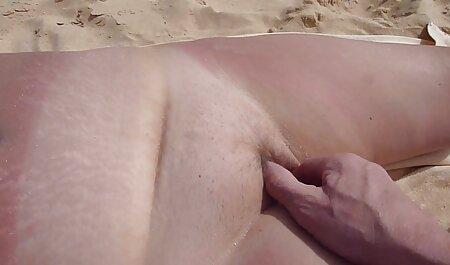 הג ' ינג ' ית קלרה וחברתה מקיימים יחסי מין עם גבר צפיה ישירה בסרטי סקס חינם שחור
