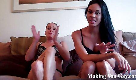 חרמן מתוק צפייה ישירה סרטי סקס מפעיל אצבעות דגדגן ו cums שלה