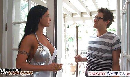 נשים מבוגרות עם שדיים יפים, מתעסקות עם סרטי סקס לצפיה מידית גברים.