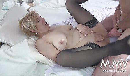 ג ' צפיה ישירה בסרטי סקס סיקה הזמינה את החבר שלה להזדיין טוב.