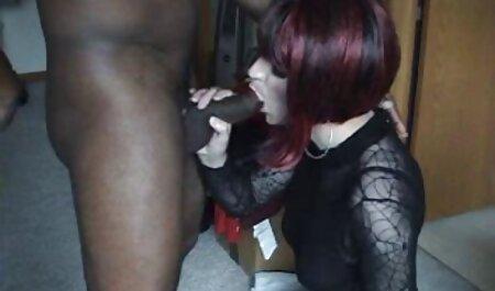 בנות סקס שרירי עם בחורה רזה בחדר סרטי סקס צפיה ישירה האמבטיה