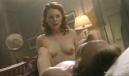 אמהות צפיה ישירה בסרטי סקס חינם שמדגימות לבחורות את חוקי המציצה.