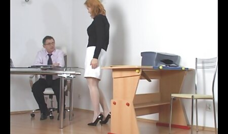 כיתת סקס חינם לצפייה ישירה אמן ממציצה מקצועית מול המצלמה.